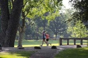 公園でのウォーキング