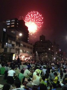 隅田川花火大会と観客