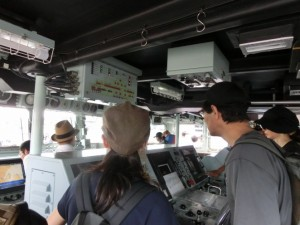 掃海艇えのしまの操縦室